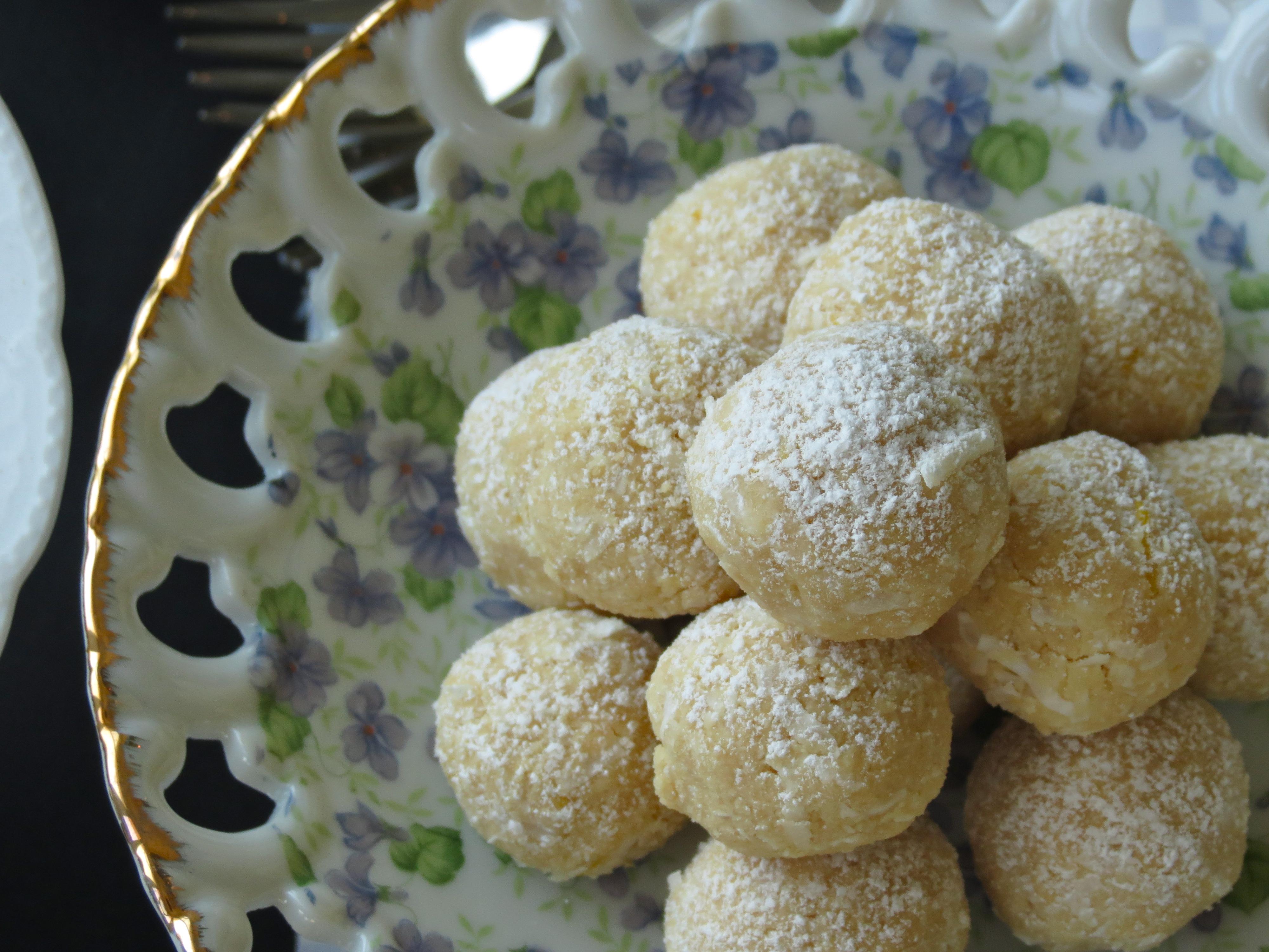Coconut Lemon Meltaways | Stephie Cooks