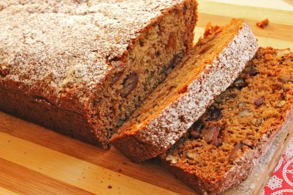 IMG 2668 e1354676682301 Treats for Santa: Date Bread